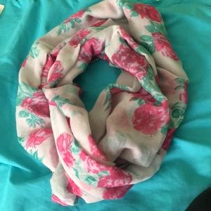 Spring infinity scarf